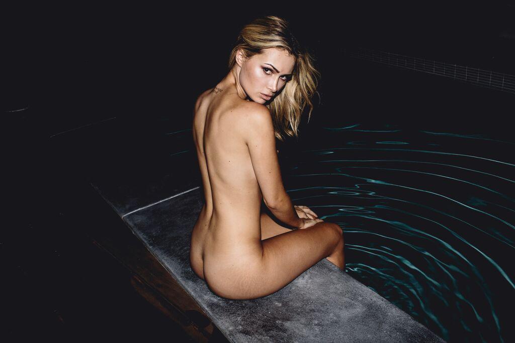 Olivia Jordan  nackt