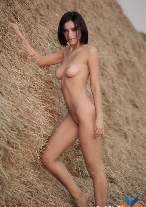 Nackt Serebro  Halle Berry