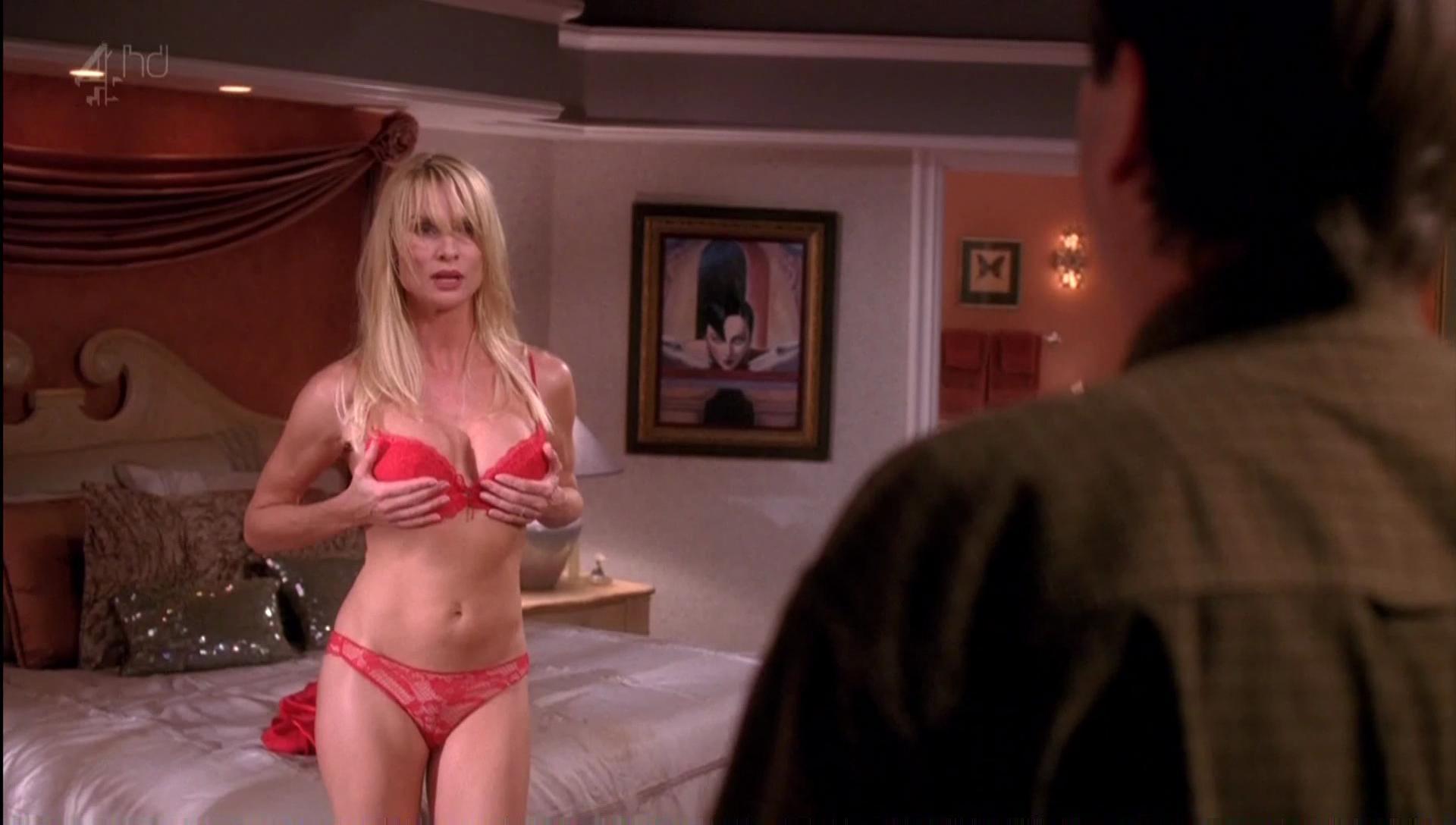 Порно горячие и отчаянные домохозяйки в хорошем качестве 156