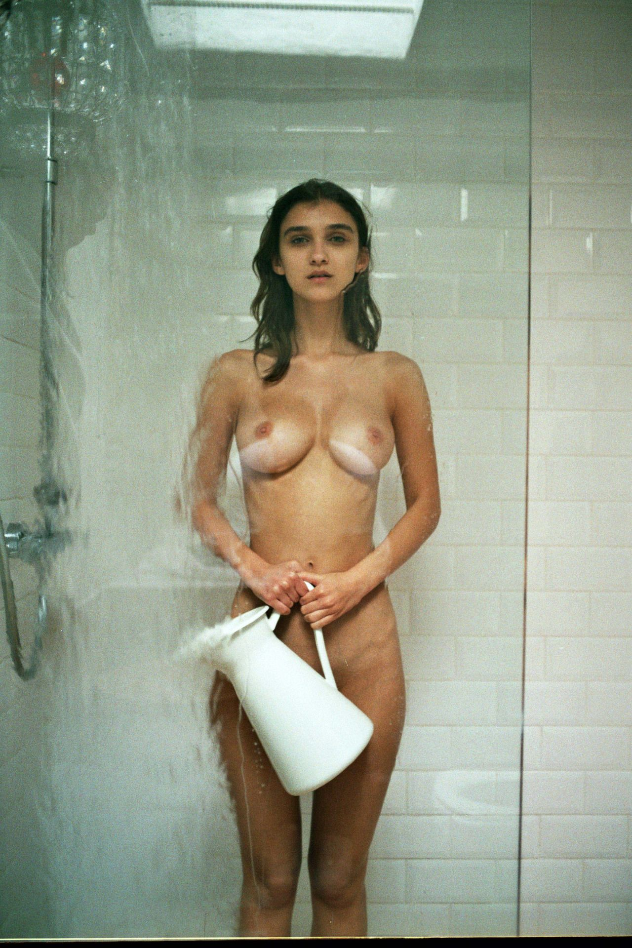 Anne De Paula  nackt
